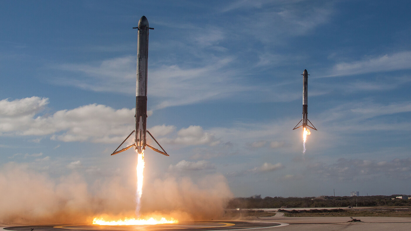 SpaceX synchronous rocket landing